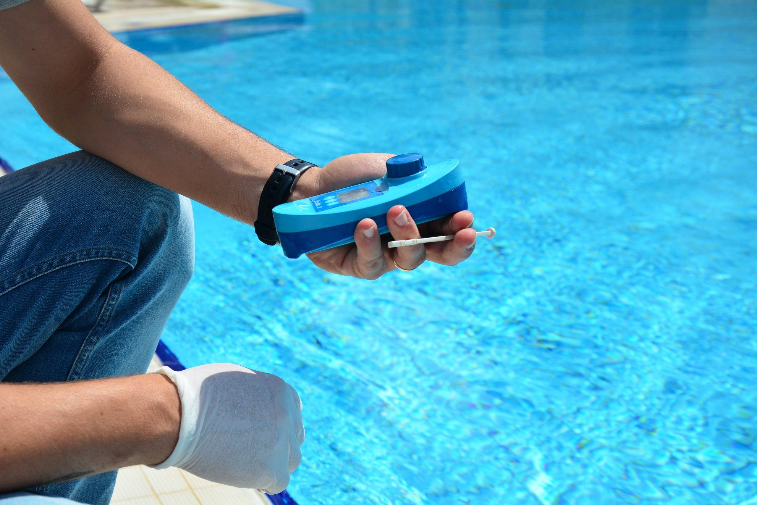 Hoe meet ik de waarden van mijn zwembad op een goede manier?